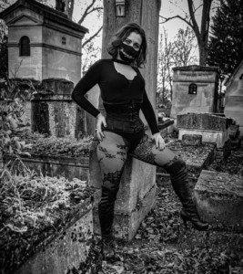 Dominatrice Maîtresse BDSM FemDom arnaques